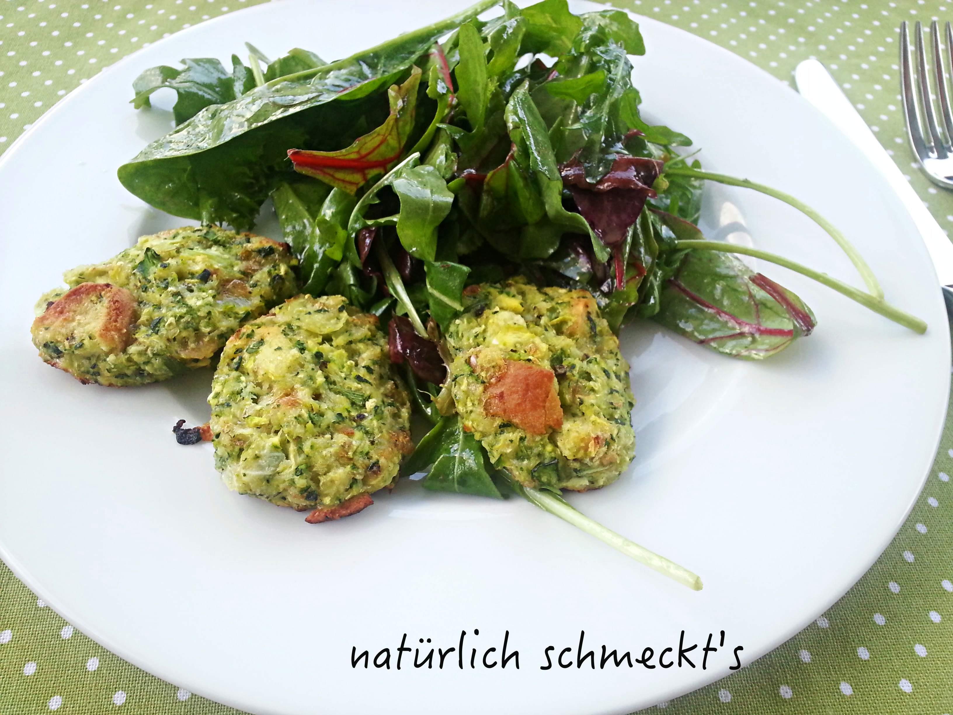 Zucchini-Semmelknödel aus dem Ofen