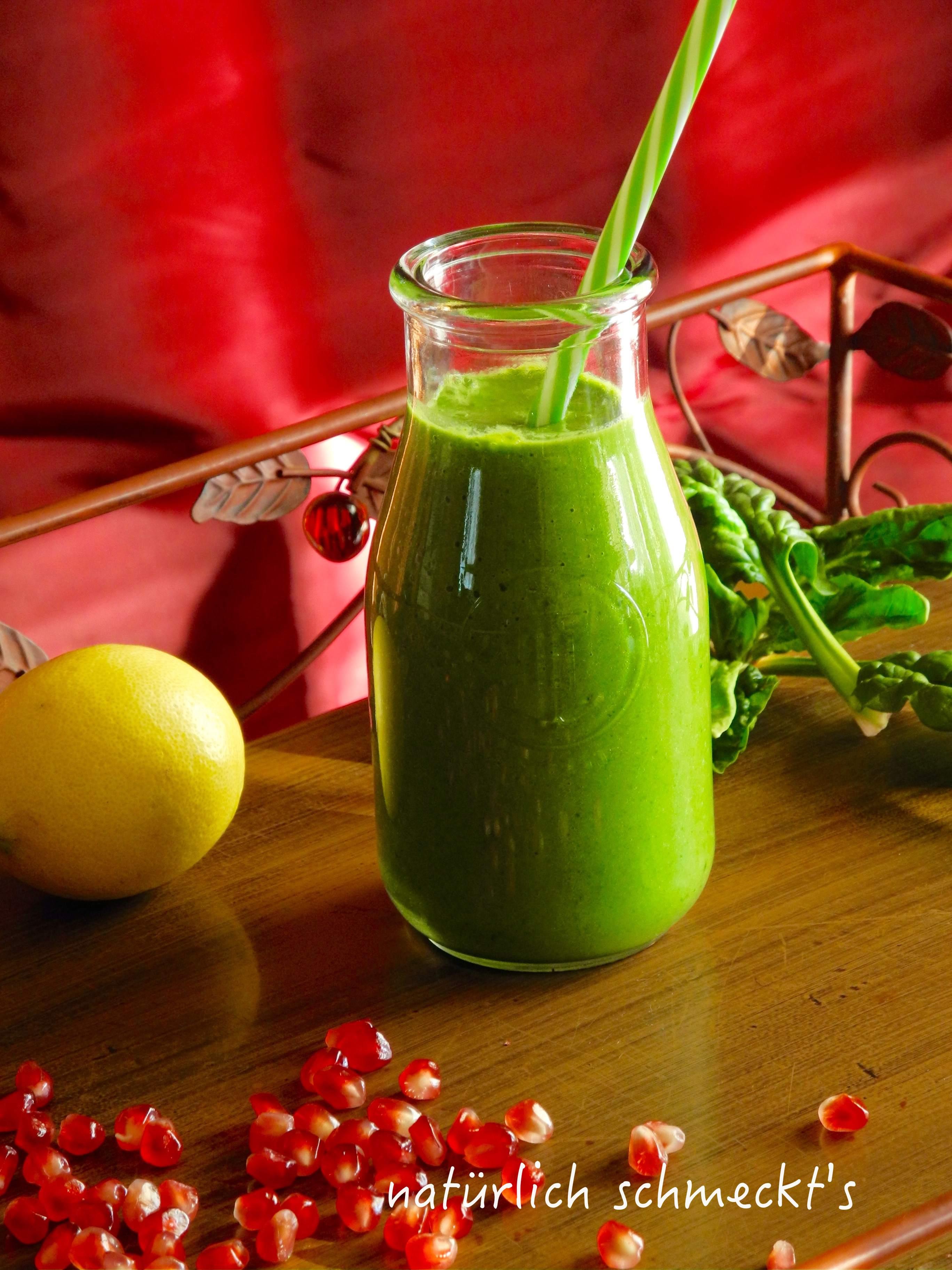 Grüner Smoothie mit Spinat