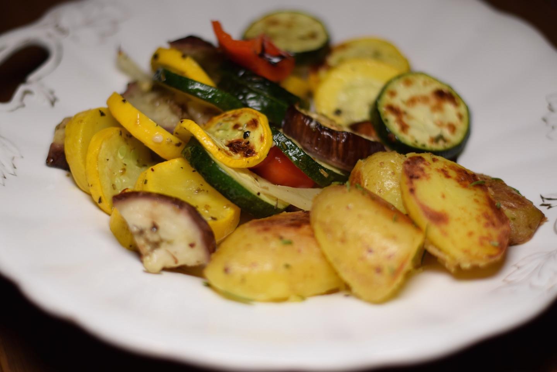 Antipastigemüse mit Rosmarinkartoffeln
